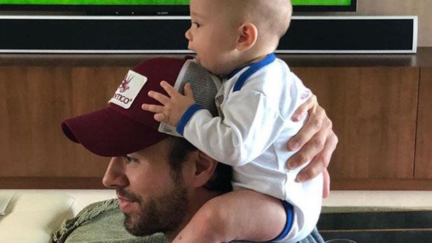Hijos de Enrique Iglesias roban el corazón de fanáticos del fútbol
