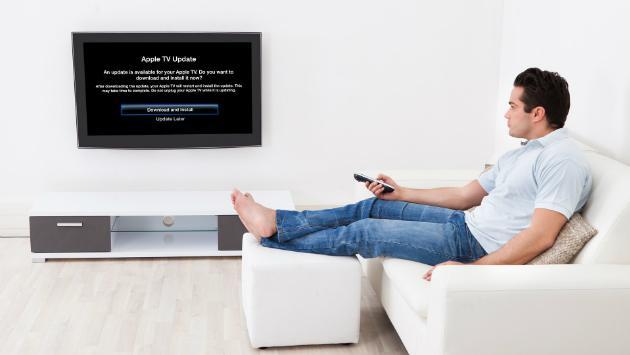 ¿Hacer ejercicios en el sofá, viendo televisión? Sí es posible. Mira cómo aquí