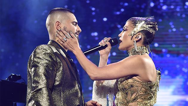 Jennifer Lopez y Maluma se unieron para cantar juntos 'No me ames'