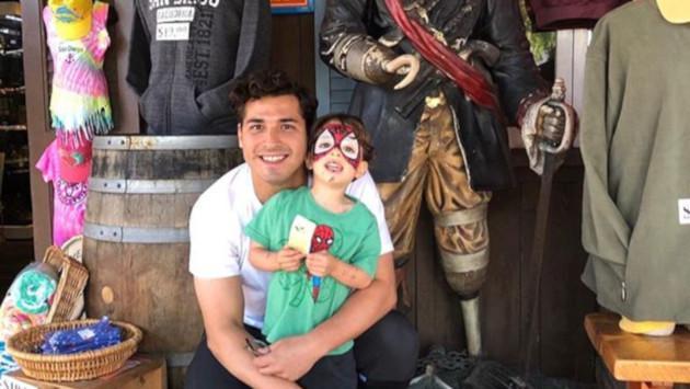 Julio Ramírez, de Reik, anuncia que será padre por segunda vez
