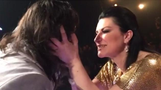 La emoción de Laura Pausini al escuchar uno de sus temas en 'La banda' [VIDEO]