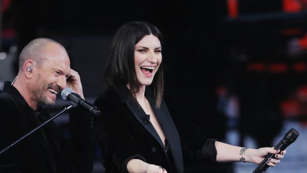 Laura Pausini celebra el aniversario de su álbum Hazte sentir promoviendo campaña para frenar el coronavirus