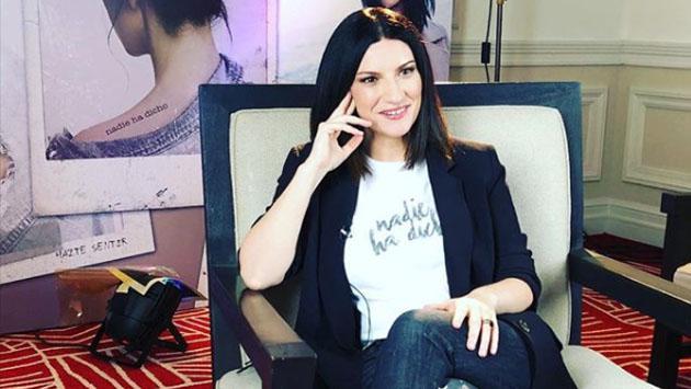 """Laura Pausini: """"Mi novio me decía que no usara faldas"""""""