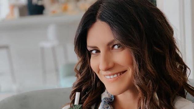 Laura Pausini se emociona al recordar su balada 'En cambio no'