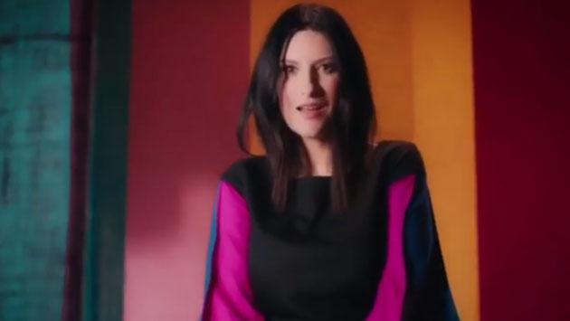 Laura Pausini sorprende con nuevo videoclip en Brasil