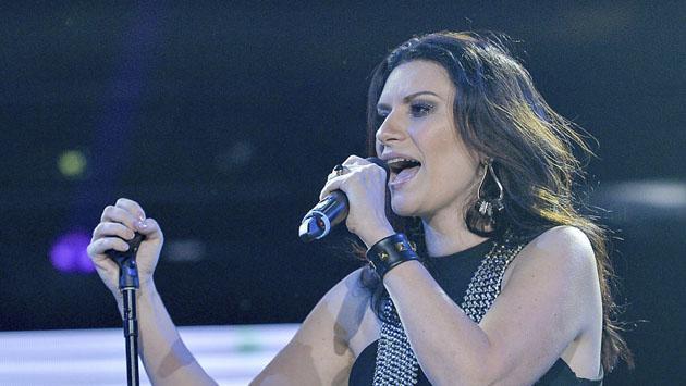 Laura Pausini ya estrenó su nueva canción