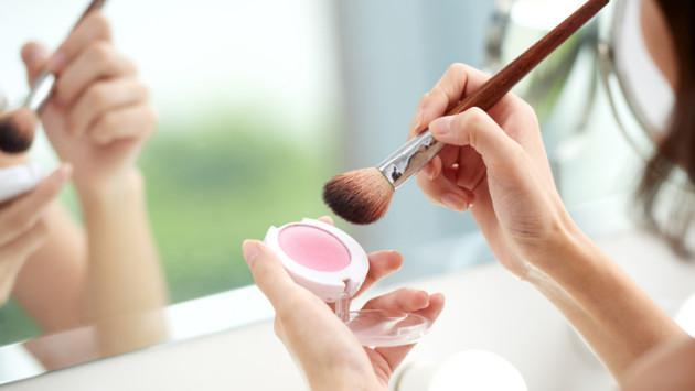 Los riesgos de usar maquillaje de imitación