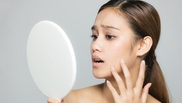 Cuidado de la piel al aparecer primeros síntomas de envejecimiento