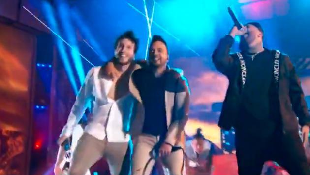 Luis Fonsi y Sebastián Yatra cantan por primera vez el tema 'Date la vuelta' en los Latin Billboard