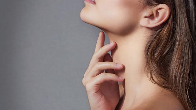 Mira cómo maquillar cuello y escote con estos trucos