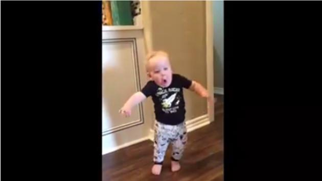 La reacción de este niño ante el rugido de su abuelo revoluciona las redes sociales