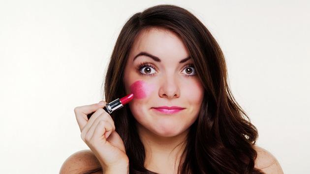 Errores de maquillaje que te hacen envejecer