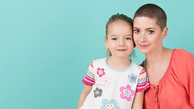 ¿No ser mamá puede causar cáncer de mama?