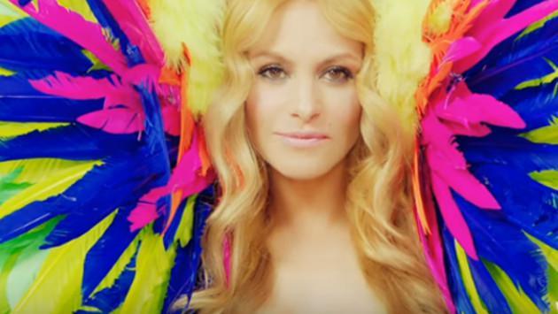 Paulina Rubio lanzó video de 'Si te vas' y genera polémica