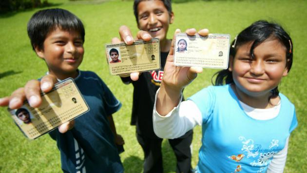 Peruanos plasman su fe en el nombre de sus hijos