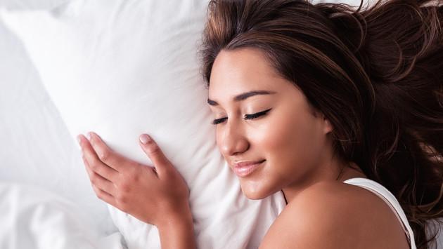 ¿Por qué es importante cambiar de almohada? Conoce cuándo debes hacerlo