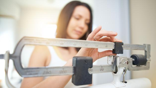 ¿Por qué es más difícil perder peso al llegar a la adultez?