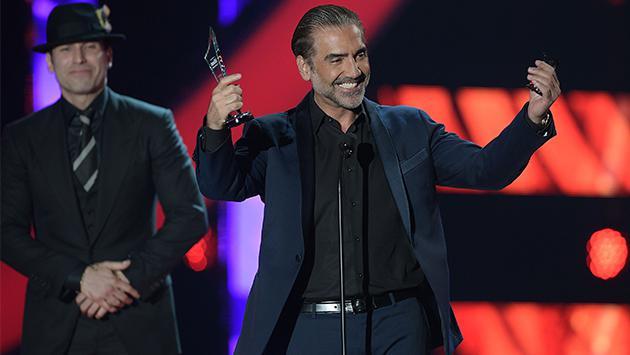 Premio Lo Nuestro: Alejandro Fernández será condecorado con importante galardón