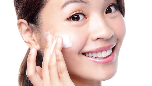 ¿Qué buscar en una crema para el rostro?