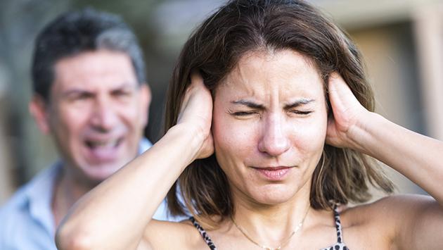 Qué hacer cuando tu pareja es muy celosa y controladora