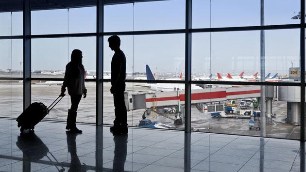¿Qué harías si tu pareja tiene que viajar por estudios y es el amor de tu vida?