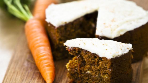 Prepara esta rica y saludable torta de zanahoria