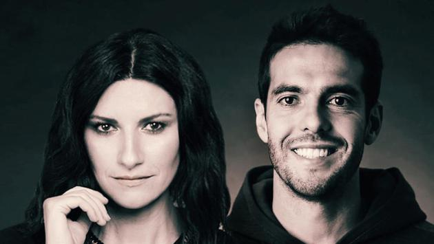 Laura Pausini compartió con una estrella del fútbol para amenizar la cuarentena