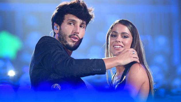 Revive la romántica presentación de Sebastián Yatra y Tini Stoessel en los Premios Juventud 2019