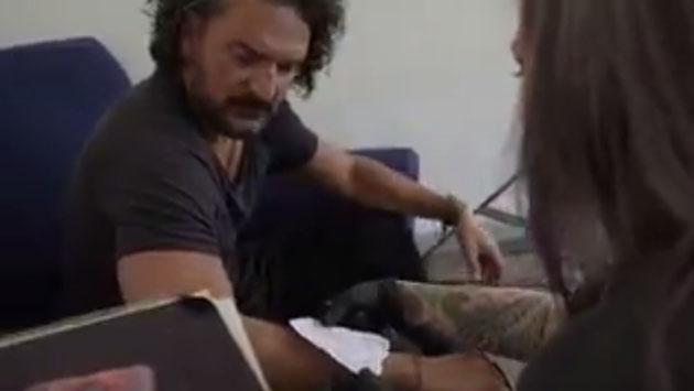 Ricardo Arjona te invita a ver el detrás de cámaras del videoclip de 'Ella'