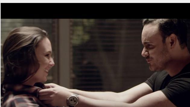 Río Roma estrenó video oficial de 'Eres la persona correcta en el momento equivocado'