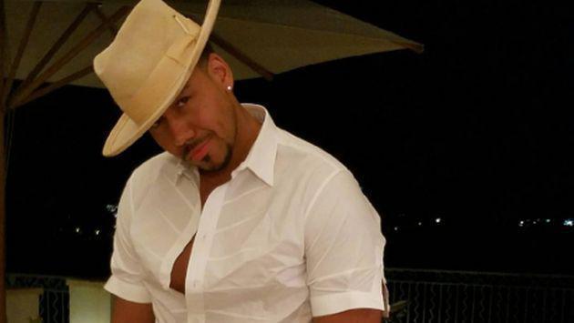 ¡Escucha 'Imitadora', la nueva bachata de Romeo Santos!