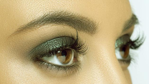Sácale provecho a las sombras verdes con estos trucos de maquillaje