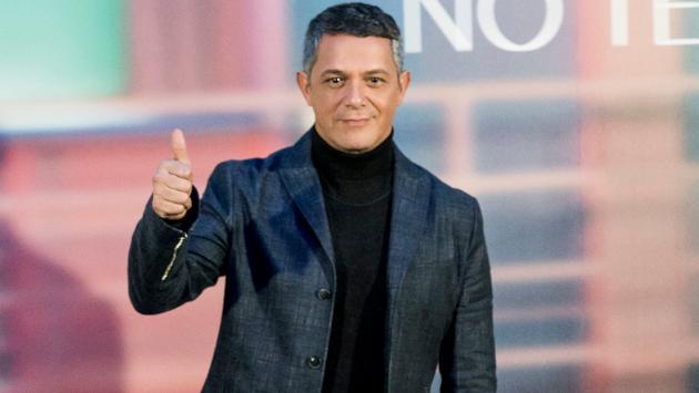 Alejandro Sanz se une a campaña para ayudar a niños migrantes