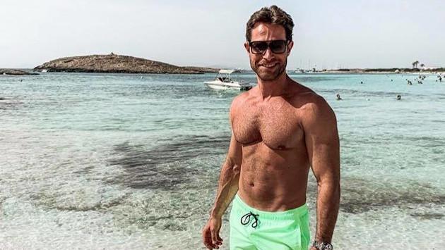 Sebastián Rulli se desnudó en redes sociales