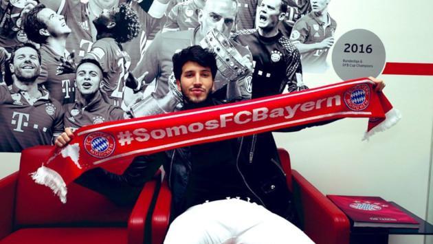 Sebastián Yatra demostró su fanatismo por el FC Bayern Múnich con una visita sorpresa