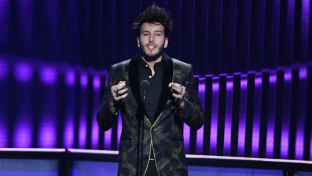 Sebastián Yatra le canta 'Cristina' a Fanny Lu