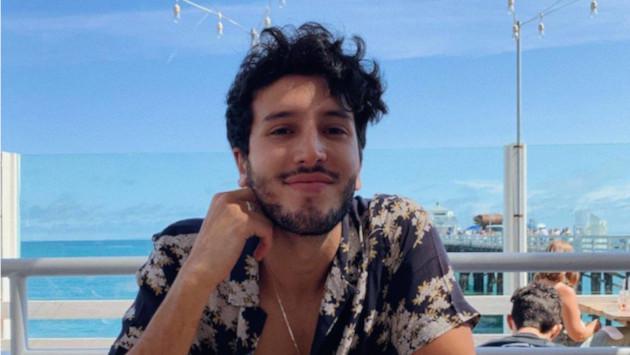 Sebastián Yatra protagoniza un tierno video junto a un pequeño fan