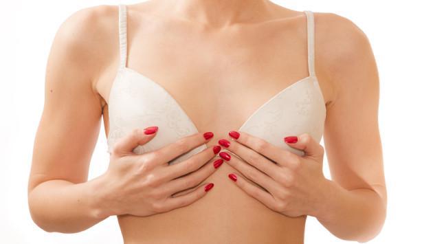 6 trucos para hacer crecer los senos naturalmente