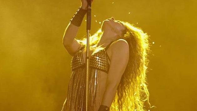 Shakira demuestra que es la reina del baile sensual con este video