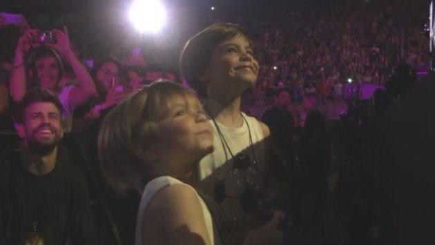 Shakira junto a sus hijos: