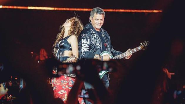 Shakira sorprendió al público tras aparecer en el concierto de Alejandro Sanz