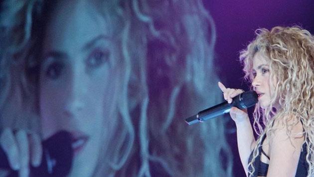 Shakira denuncia a un paparazzi por acoso ante policía de Cataluña