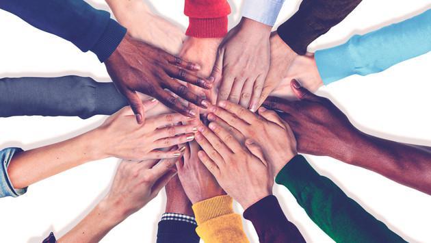 ¡Si queremos un mundo reflejo del cielo, no hay otro camino, debemos ser solidarios!