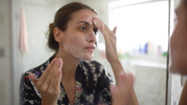 Sigue estos tips para reducir el acné causado por el estrés