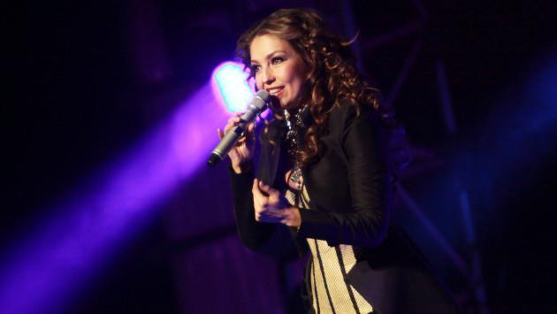 A Thalía se le salió la 'María la del Barrio' con un cantante
