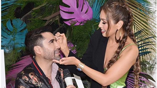 Thalía maquilló a sus fans en el evento de su línea de pestañas