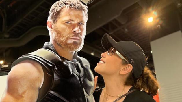 Thalía se declara fan de uno de los Vengadores y Tommy Mottola se pone celoso