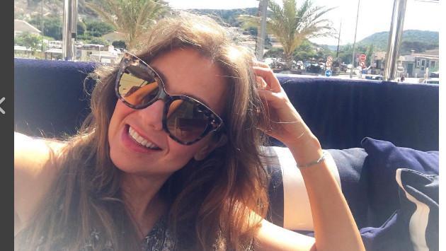 ¡Thalía se luce con 'infartante' bikini y sin maquillaje!