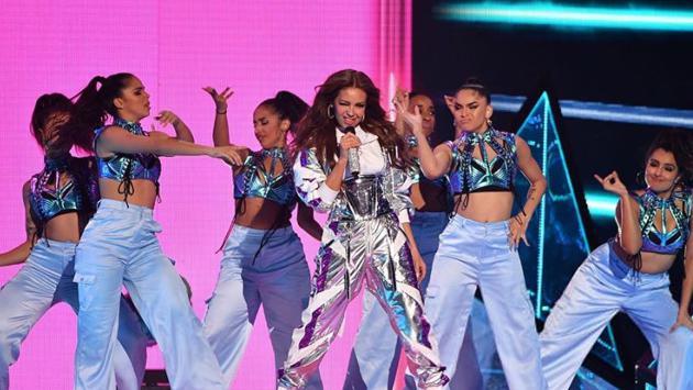 Thalía se lució en el escenario de Premio Lo Nuestro 2020