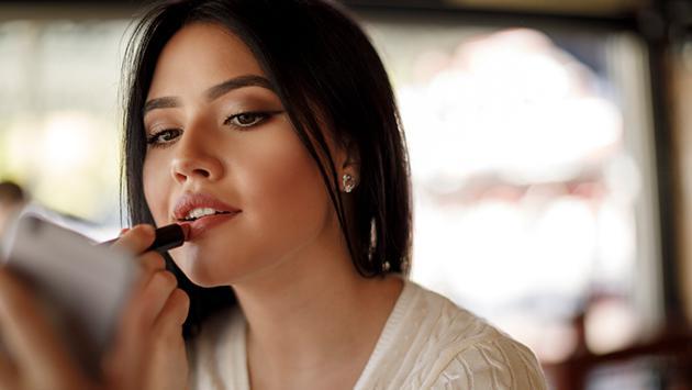 Tips para que tu labial dure más tiempo